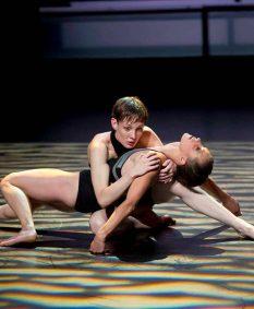 Talents danse 2012 Katia Petrowick et Anaïs BARTHE - Swan Luc Petton © Laurent Philippe